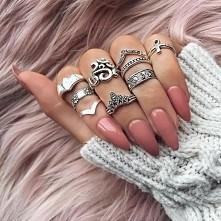Cudo! Dużo biżuterii, jeden...