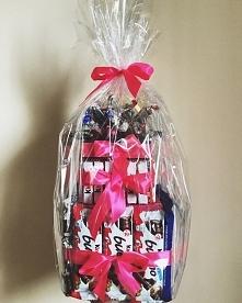 Słodki tort na każdą okazję! Wykonamy go na zamówienie, właśnie dla Ciebie! Wystarczy, że  na swoim facebooku wpiszesz nazwę naszej firmy: Para Młoda - dekoracje ślubne! Tam we ...