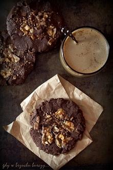 Ciastka z czekoladą i orzec...