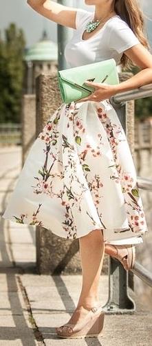 Kobiecy lekki outfit, ideal...