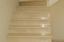 schody granitowe jasne