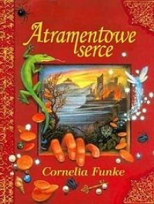 Mortimer Folchart mieszka ze swoją córką Meggie w wynajętym domu i zajmuje się restauracją starych książek. To spokojne życie zmienia się, gdy odwiedza ich dziwny gość - Smolipa...