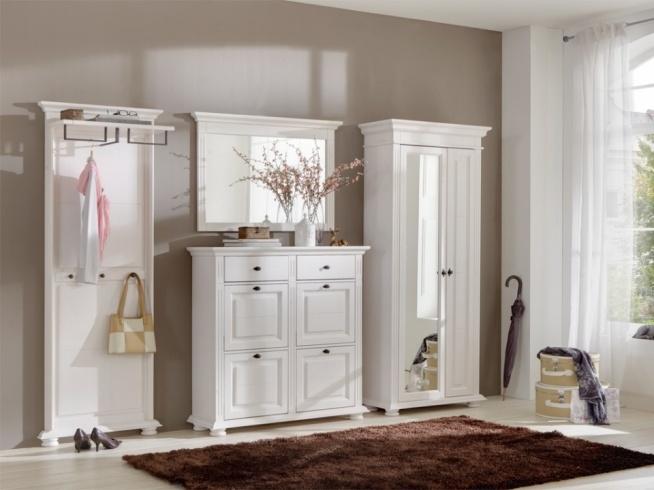 Biała szafa z lustrem z kolekcji Ida wykonana z drewna sosnowego. Cała kolekcja oraz wiele więcej mebli dostępne na seart.pl