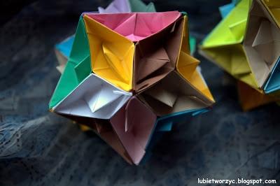 Kula z łódek origami