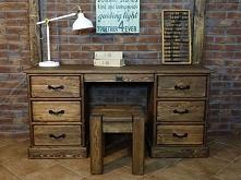 Klasyczne biurko z kolekcji Rustyk wykonane z litego drewna sosnowego. Cała kolekcja Rustyk oraz wiele więcej mebli dostępne na seart.pl