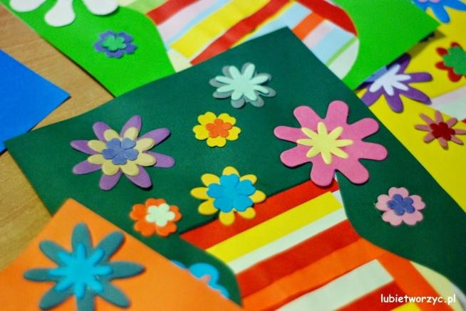 Wazon z kwiatami - prezent z okazji Dnia Babci