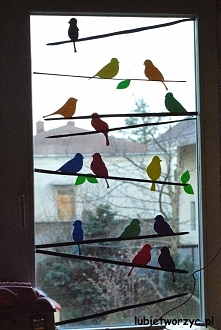 Ptaki na gałązce - dekoracja okienna w przedszkolu