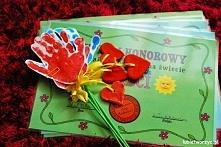 Kwiatek z dłoni - prezent z...