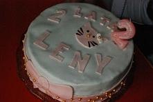 Tort z motywem Hello Kitty