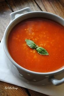 Szybka i prosta zupa pomidorowa z ryżem. Przepis po kliknięciu w zdjęcie.