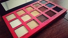 Paletka 15 cieni, Wibo Neutral Eyeshadow Palette, cena ok 28zł:)