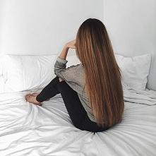 Piękne długie włosy. Sama h...