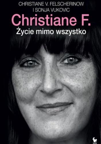35 lat po ukazaniu się My, dzieci z dworca Zoo, książki i jej ekranizacji, dzięki którym Christiane F. stała się najsłynniejszą narkomanką na świecie, bohaterka przedstawia dalszy ciąg swojej historii. Opowiada o nieudanych odwykach, pobytach w areszcie i berlińskim więzieniu, o szczęśliwym czasie w Grecji, o ludziach spotkanych po drodze, o programie metadonowym, do którego została przyjęta, wreszcie o narodzinach Phillipa i macierzyństwie, które odmieniło jej życie.