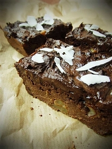 Wegański placek czekoladowo-daktylowy z jabłkami :D