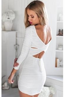 Biała sukienka :) dopasowana do ciała z krzyżowaniem na plecach. Znajdziesz na NOSHAME.PL