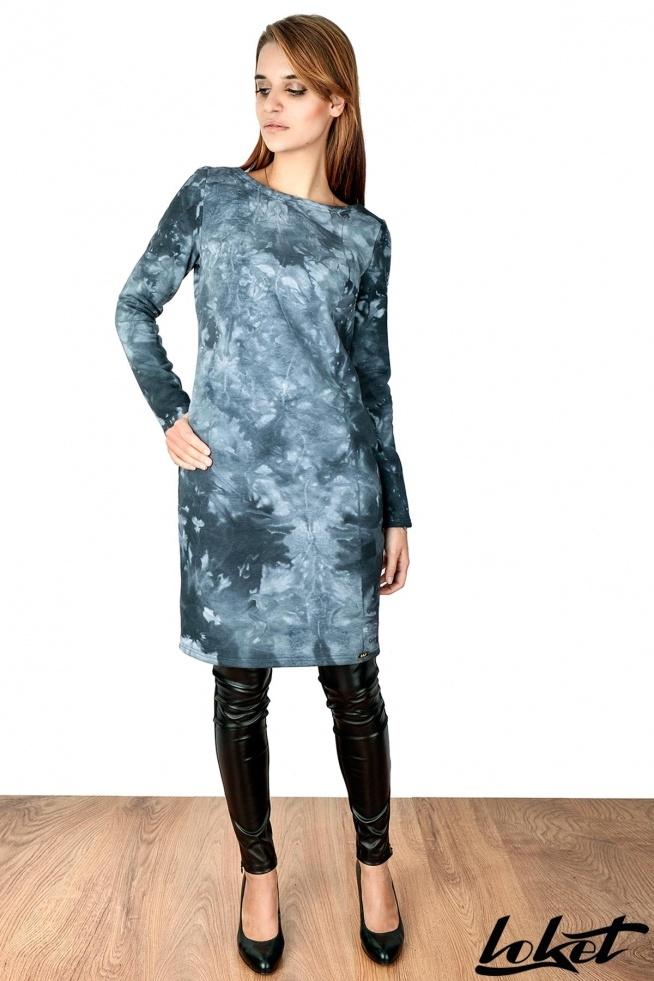 """Loket T004 Super hit wyjątkowa sukienka uszyta z miękkiej, ciepłej grubszej dzianiny bawełnianej typu batic, która świetnie sprawdzi się w chłodniejsze dni. Prosty krój w kształcie """"tuby"""" zwężanej ku dołowi.  Sukienka ma długi rękaw i kieszenie wpuszczone w boczny szew. Sukienka doskonale łączy w sobie codzienną wygodę z bardzo seksownym kobiecym wyglądem. Sukienka dostępna w 4 kolorach w rozmiarach od 36 do 42"""