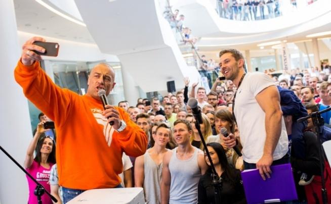 DNI FIT & BEAUTY W KRAKOWIE PO RAZ DRUGI!  Już niebawem, bo 14-15 maja 2016 r. w ICE Krakowie  odbędzie się już 2. edycja Dni Fit & Beauty czyli święta zdrowia, aktywności fizycznej i urody. Organizatorzy wydarzenia zapowiadają jeszcze więcej atrakcji niż przed rokiem.  Więcej szczegółów na blogu FitPlanner ;)  A może szukasz w swoim mieście klubów fitness, siłowni lub innego obiektu sportowego ? Zajrzyj na FitPlanner i skorzystaj z wyszukiwarki zajęć sportowych, klubów i instruktorów ;)