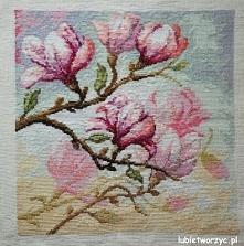 Kwitnąca magnolia - haft krzyżykowy