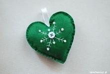 Filcowe serduszko z motywem śnieżynki (kolor zielony)