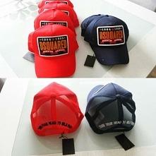 Nowe czapki dsquared regulowane zapięcie z tyłu kolor czerwony i granatowy