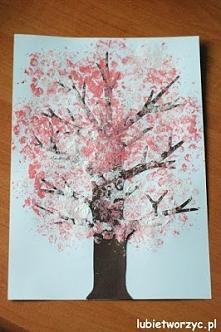 Kwitnąca wiśnia - drzewo malowane farbami i folią bąbelkową