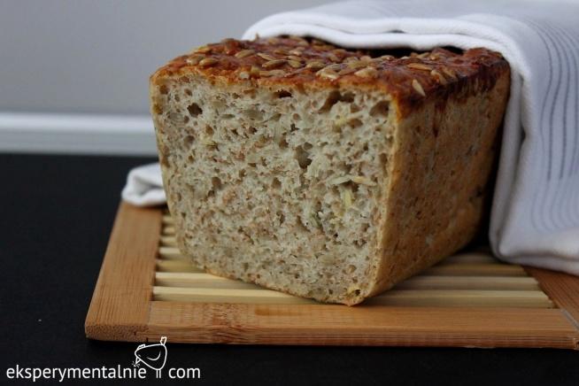 Chleb orkiszowy - domowy chleb na drożdżach