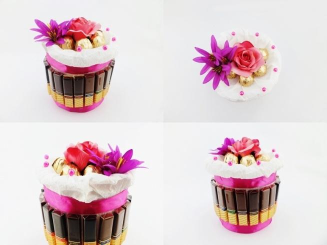Wyjątkowy słodki tort z czekoladek Merci i wiśni w likierze. Idealna alternatywa na tradycyjne bukiety i prezent na urodziny, ślub, imieniny