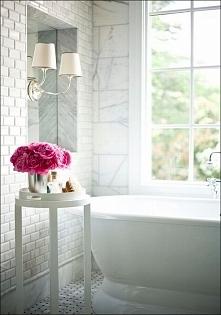 Delikatna elegancka biała łazienka, łazienka w kolorze białym to również łazienka w amerykańskim stylu- zobacz jak wygląda amerykańska łazienka czyli master bathroom! Druga częś...