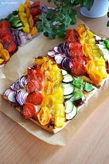 Tęczowe pizzerinki. Zdrowa, kolorowa przekąska na imprezy i nie tylko.   Prze...