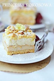 PRINCESSA KOKOSOWA to imitacja słynnego batonika Princessa. Ciasto jest kruche, delikatne i mocno kokosowe. Jednym słowem pyszne. Stworzone do kawy <3 Klik w zdjęcie Kochani ...
