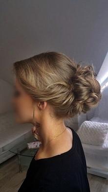 Kolejne upięcie w Moim wykonaniu ;)  Możecie znaleźć Mnie też na fb wpisując Hair Fashion By Kasia