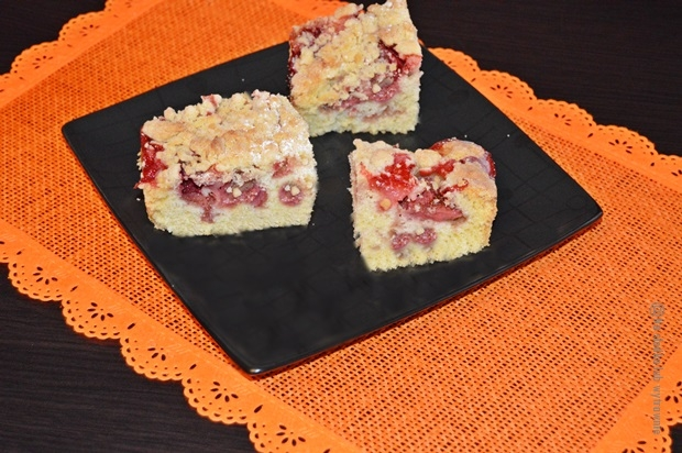 Wspaniałe ciasto ucierane z owocami i kruszonką :-)
