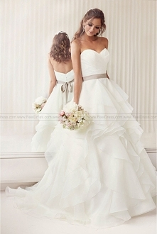 Essense of Australia Wedding Dress Style D2029