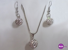Piękny komplet biżuterii Shamballa <3   Ten i wiele innych produktów w kategorii biżuteria dostępnych po kliknięciu w zdjęcie lub na modoway.pl <3