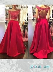 kolor czerwony sukienka