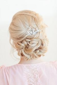 fryzura weselna, stylizacja dla blondynki
