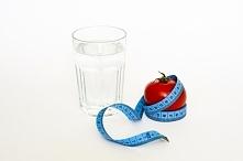 Zalety picia wody. Wpływa na urodę oraz zdrowie!  Poradnik!