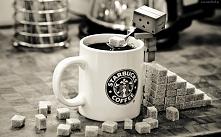 Danbo słodzi kawę :)