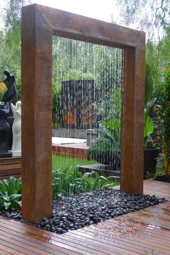 śliczna dekoracja do ogrodu z rur PVC obudowana panelami PVC