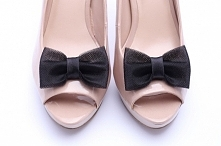 Klasyczne kokardy - klipsy do butów! Starannie, ręcznie wykonane.  Do kupienia w sklepie internetowym Madame Allure!