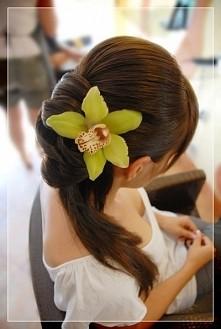 kwiat we włosach ;)