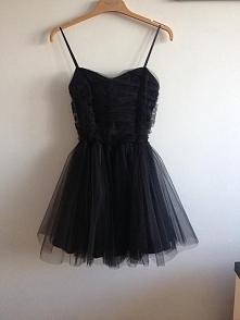 śliczna sukienka <3 tiulowa :D