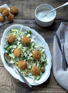 zielona sałatka z falafelem (klik)