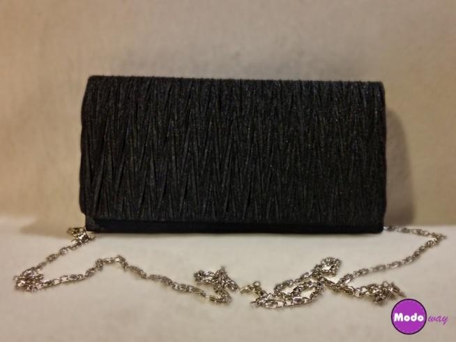 Śliczna bardzo pojemna czarna torebka ;) Możliwość zamówienia również w kolorze złotym :)   Dostępna po kliknięciu w zdjęcie lub na modoway.pl :)   W naszej ofercie posiadamy również duży wybór zegarków męskich, biżuterii i galanterii, a w niej piękne torebki i portfele :) Zapraszam <3 !!!