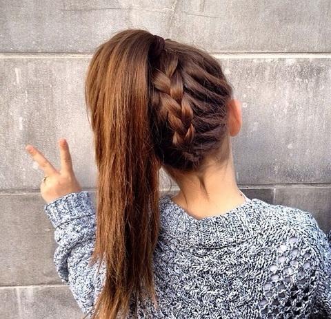 Bardzo łatwa i ładna fryzura do szkoły :)