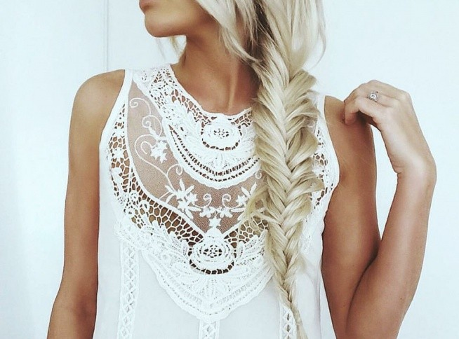 biała koronka