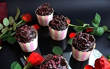 Składniki: Muffinki kawowo-czekoladowe Ciasto: 1 czubata (z górką ) szklanka ...