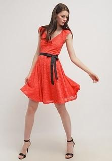 Letnia sukienka z koronki czerwona