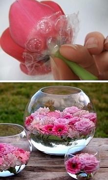 folia bąbelkowa, żeby kwiatki nie tonęły:)