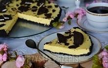 Oreowa tarta . Składniki Spód: 24szt ciasteczek Oreo 70g masła  Masa serowa: ...